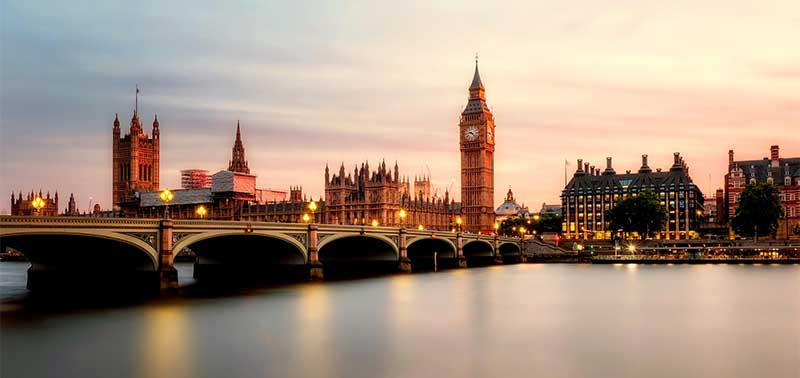 Thames Dinner Cruise & Hotel Package